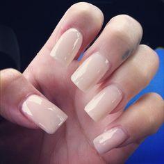 pink and white acrylic nails squoval | unhas com esmalte nude lindas