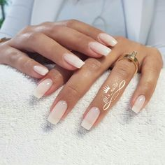 Semi-permanent varnish, false nails, patches: which manicure to choose? - My Nails Nail Swag, Perfect Nails, Gorgeous Nails, Pretty Nails, Amazing Nails, Gel Nails, Nail Polish, Squoval Acrylic Nails, Acrylic Nail Shapes
