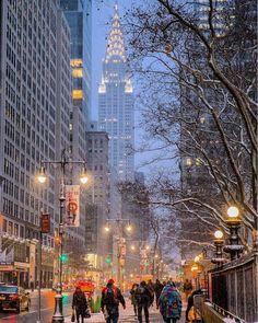 The Chrysler building on a snowing morning Photo: Matt Chimera Chrysler Building, New York Noel, Voyage New York, New York Christmas, Christmas Mood, Xmas, Nyc Life, City Life, I Love Nyc