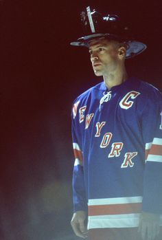 Mark Messier - my fave NYR captain of all time! More so after he wore this Fire-fighter helmet as a tribute to fallen firemen during the first game after 9/11. #NewYorkRangers