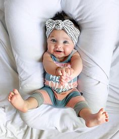 So Cute Baby, Baby Kind, Cute Baby Clothes, Cute Kids, Cute Babies, Chubby Babies, Cute Toddlers, Cute Baby Girl Pics, Human Babies