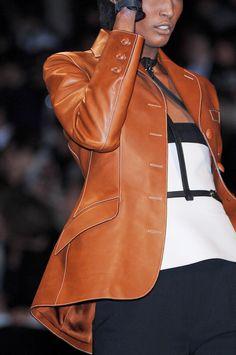 Hermès at Paris Fashion Week Spring 2011 - Details Runway Photos