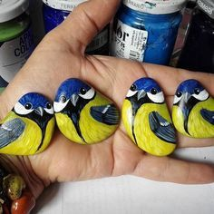 Best Easy Painted Rock ideas for beginners who want to try at home … - DIY Crafts Best Easy Painted Rock Ideen für Anfänger, die zu Hause ausprobieren möchten .<br> Best Easy Painted Rock ideas for beginners who want to try at home - out Pebble Painting, Pebble Art, Stone Painting, Stone Crafts, Rock Crafts, Arts And Crafts, Diy Crafts, Sharpie Crafts, Fabric Crafts