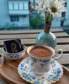 Türk Kahvesi #TurkishCoffee. Sweet Coffee, I Love Coffee, Coffee Break, My Coffee, Morning Coffee, Morning Mood, Chocolates, Cafe Cup, Coffee Photography