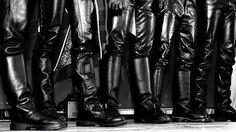 Men in hot boots or cool leather and some piercing Tall Leather Boots, Leather Jeans, Tall Boots, Shoe Boots, Men Boots, Leather Jackets, Shoes, Black Leather, Big Black Boots