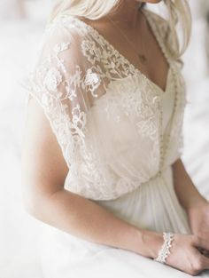 BHLDN lace sleeve gown | Photography: Lauren Balingit - laurenbalingit.com Read More: http://www.stylemepretty.com/2014/09/30/bohemian-chic-chicago-wedding/