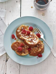 Almond-Crusted French Toast with Berries