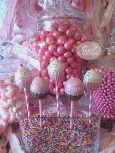 9 awesome cake pops from Vera Bradley to the Olympics to the Eiffel Tower and the Grinch Who Stole Christmas Dessert Buffet, Candy Buffet, Dessert Tables, Take The Cake, Love Cake, Grinch Who Stole Christmas, Brownie Pops, Cupcake Cakes, Cupcakes