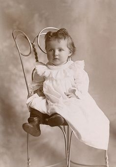 +~+~ Antique Photograph ~+~+  Sweet baby on ice cream chair.