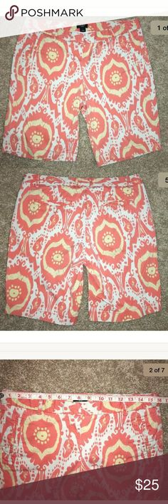 J.crew Bermuda shorts ikat pattern Sz 6. J.crew Women's Size 6 city fit shorts in cute Ikat print. Has stretch. Please see pics for measurements and from smoke free home. In great used condition. J. Crew Shorts Bermudas