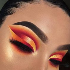 Hey everyone! For today's look I did this bright half cut crease with ombré liner! I know… Ombre eyeliner/copper cutcrease/copper metallic eyeshadow/ombre orange eyeshadow/makeup Makeup Eye Looks, Eye Makeup Tips, Cute Makeup, Eyeshadow Looks, Glam Makeup, Gorgeous Makeup, Pretty Makeup, Makeup Goals, Makeup Inspo