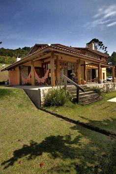 Conheça o charme e a beleza acolhedora dessa magnífica casa…