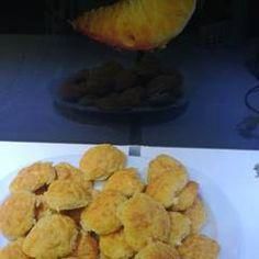 Τυροπιτάκια σε 5 λεπτάκια συνταγή από pavlidou sofia - Cookpad Muffin, Food And Drink, Potatoes, Vegetables, Breakfast, Morning Coffee, Potato, Muffins, Vegetable Recipes