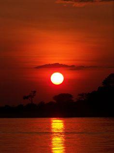 5.Se encuentran los Rios: el Rio de Plata,el Parana,el Orinoco y el Amazonas