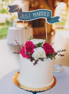 This cake topper is too cute.