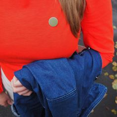 The last of the autumn leaves 🍂 #plainpins #plainisperfect #enamelpin #pin #pingame #colour #shape #london #wander #autumn