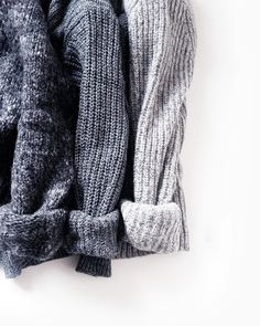 cozy sweaters in shades of gray/basic