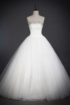 wedding dress- http://zzkko.com/n215416-olid-color-luxury-crystal-diamond-decorative-shiny-Royal-tutu-super-gas-field-wedding-tailored.html $19.13