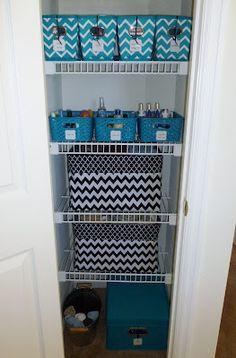 Handmade Simply: Organization: Linen Closet (approx size & shelving of our hall linen closet)