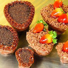 Ovos trufados de colher #confeitariapolos #goiania (em Polos Pães e Doces)