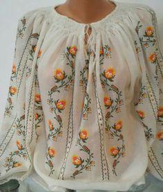 Ie - Romanian Blouse - Souvenir Shop Romania Folk Fashion, Girl Fashion, Womens Fashion, Russian Culture, Boho Beautiful, Mode Boho, Summer Outfits Women, Dress Collection, Boho Chic
