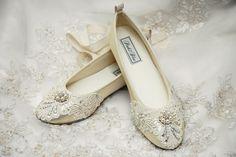19 Pairs Of Wedding Flats To Keep You Comfy and Beautiful!