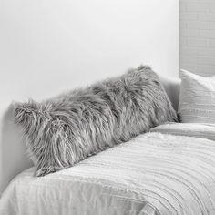 Dorm Pillows, Cute Pillows, Fluffy Pillows, Pillow Room, Throw Pillows, Throw Blankets, Pillow Talk, Body Pillow Covers, Decorative Pillow Covers
