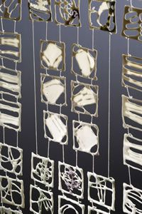 Vorhänge aus Porzellan - Claudia Henkel