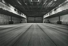 Risultati immagini per Erich Mendelsohn teatro berlino Erich Mendelsohn, Dance Rooms, Scenic Design, Garage Design, Dance Studio, Black Box, Open Up, Louvre, Cinema