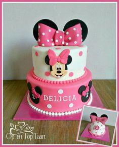 Minnie Mouse Cupcake Cake, Mini Mouse Birthday Cake, Mini Mouse Cake, Minnie Mouse Cookies, Minnie Mouse Birthday Decorations, Bolo Minnie, Mickey Cakes, Baby Birthday Cakes, Mickey Birthday