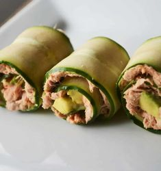 These 5 Minute Low Carb Spicy Tuna Rolls are deliciously fresh and come with just the right amount of kick! Mornings are super busy for us and often that means lunch is bland and uninspired. No Carb Recipes, Seafood Recipes, Diet Recipes, Cooking Recipes, Healthy Recipes, Salad Recipes, Spicy Tuna Roll, Spicy Tuna Salad, Healthy Snacks