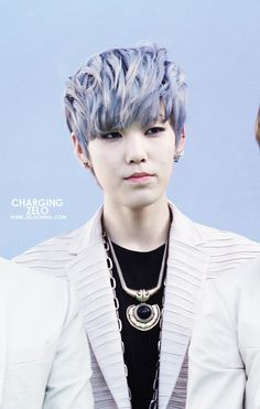 Zelo... He's killing me with his beautifulness!