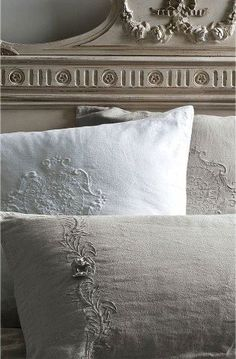 beautiful headboard & bed linens, good feng shui bedroom colors // Tumblr