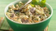 Tuna-Macaroni Salad Treat your family to a flavorful pasta and tuna salad - perfect for dinner! Tuna Macaroni Salad, Tuna Pasta, Chicken Pasta, Grilled Chicken, Cooking Recipes, Healthy Recipes, Yummy Recipes, Healthy Dishes, Eat Healthy