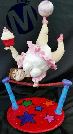 Chubby circus lady! gravity cake - Cake by Manu Lazcano M iDeas