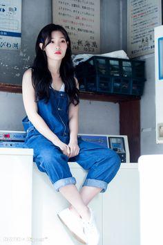 - Naver X Dispatch in Japan for YOLO Jacket Photoshoot Kpop Outfits, Korean Outfits, Kpop Girl Groups, Kpop Girls, Asian Woman, Asian Girl, Jung Chaeyeon, Choi Yoojung, Kim Sejeong