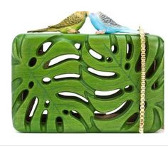 """Sarah's bag - """" The Adored Clutch"""" - wooden purse Green Handbag, Green Purse, Wooden Purse, Sacs Design, Diy Sac, Green Clutches, Cute Bags, Beautiful Bags, Hippie Style"""