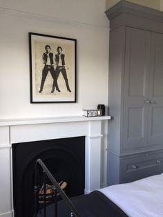 New Ideas For Bedroom Black Bed Frame Grey Bedroom Alcove, Master Bedroom Bathroom, Guest Bedroom Decor, Bedroom Wardrobe, Wood Bedroom, Bedroom Colors, Guest Room, Bedroom Ideas, Edwardian Fireplace