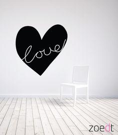 Muursticker Zoedt woonkamer hart met de tekst Love
