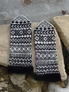 Ravelry: Ylva pattern by Solveig Larsson Knit Mittens, Ravelry, Gloves, Embroidery, Knitting, Crochet, Projects, Gifts, Socks