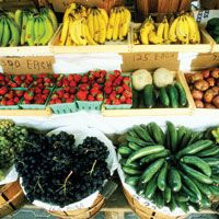 Go to a Farmers Market | 101 Things To Do in Hawai'i; Lahaina ones are M, W, F from 7-11 am; $0