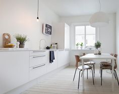 my scandinavian home: Whites and greys in a Swedish apartment
