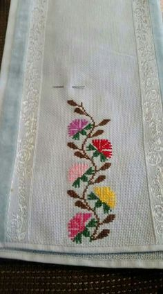 This Pin was discovered by Gül Cross Stitch Art, Cross Stitch Borders, Cross Stitch Flowers, Cross Stitch Designs, Cross Stitching, Cross Stitch Embroidery, Cross Stitch Patterns, Flower Patterns, Crochet Patterns
