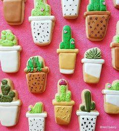 So many cookies! /merci/.bakery [CookieCutterKingdom Potted Cactus Cookie Cutter] #cookiecutterkingdom