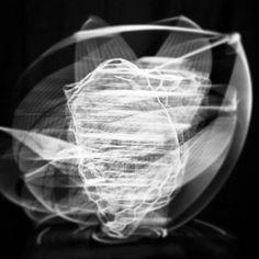 Heart. Aus der Serie Looping. 2013 Rotierende Raumcollagen aus Draht, Gitter, Klebeband, Schnur, Formrohr und teilweise Schwarzlicht Skulptur, Objekt, Video, Installation, Fotografie Markus Wintersberger 2013  #markuswintersberger #medienwerkstatt006 #heart #mnemosyne #illusion #gehirn #herz #brain #denkpalast #skulpturinbewegung #rotation #wien