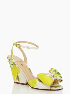 Iberis heels- lemon pattern wedges with a bow, yes!