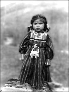 Colville girl, Colville Indian Reservation, Washington, ca. 1900.
