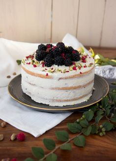 Kokosový dort s ostružinami – Kitchen Affair Chocolate Truffles, Sweet Cakes, Affair, Muffins, Cupcakes, Kitchen, Food, Recipes, Muffin