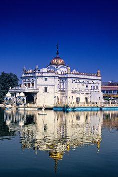 The Durgiana Temple (Hindu), Amritsar, Punjab, India Amritsar, Countries Around The World, Around The Worlds, Beautiful World, Beautiful Places, India Country, Temple India, Largest Countries, Tourist Places