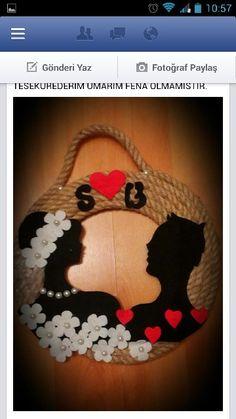 Keçe kapı süsü Jute Crafts, Foam Crafts, Craft Stick Crafts, Preschool Crafts, Diy And Crafts, Arts And Crafts, Paper Crafts, Valentine Banner, Valentine Gifts